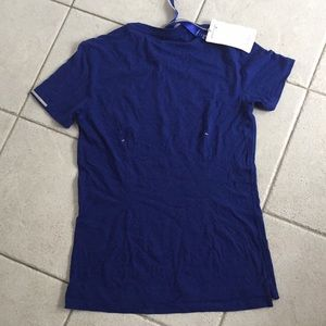 Kit and Ace Tops - NWT Kit and Ace V tee size XS